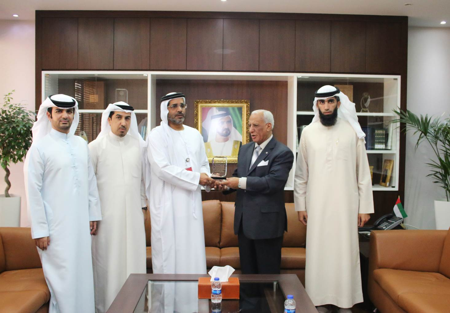 The Legal Affairs Directorate within RTA honors Mr. Hafez Abousalim  – Senior Legal Advisor in the Government Disputes and Claims Directorate at the Government of Dubai Legal Affairs Department - Monday - 22/02/2016